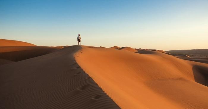 homesickness-uae-desert abroad