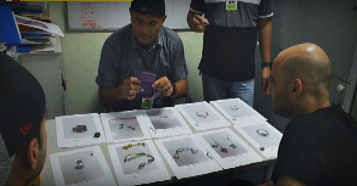 baggage handlers naia arrested jewelry box