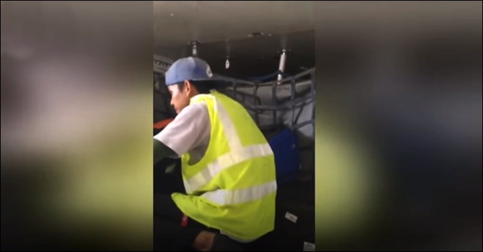 airline baggage employe steal