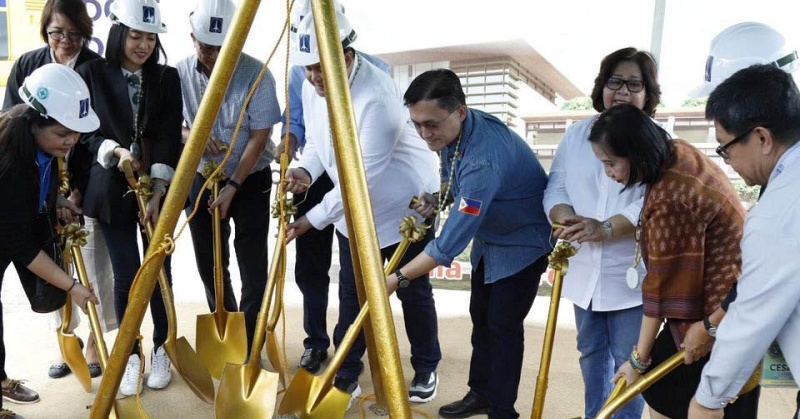 [WATCH] Officials Break Ground Anew for First OFW Hospital